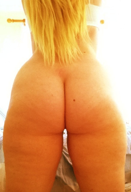 Qui veut me tripoter le cul?
