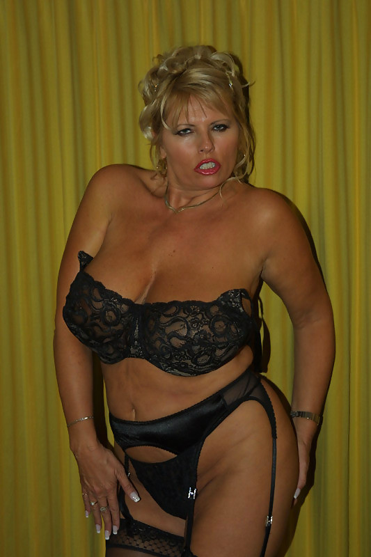 Geneviève recherche des hommes lubriques