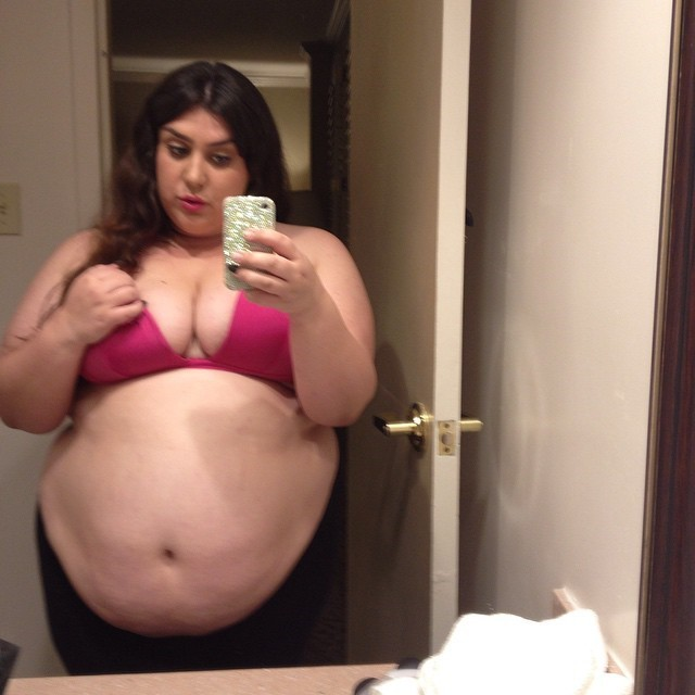 selfie grosse femme